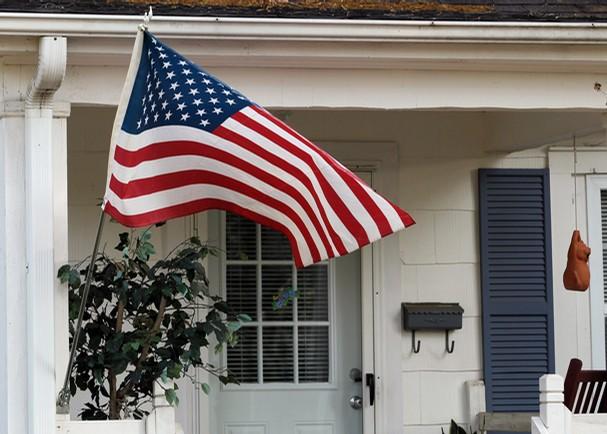 Displaying The American Flag Serving Dayton Cincinnati